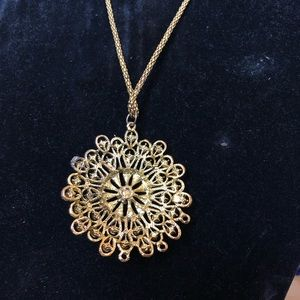 Jewelry - Flower designed necklace with jewels.